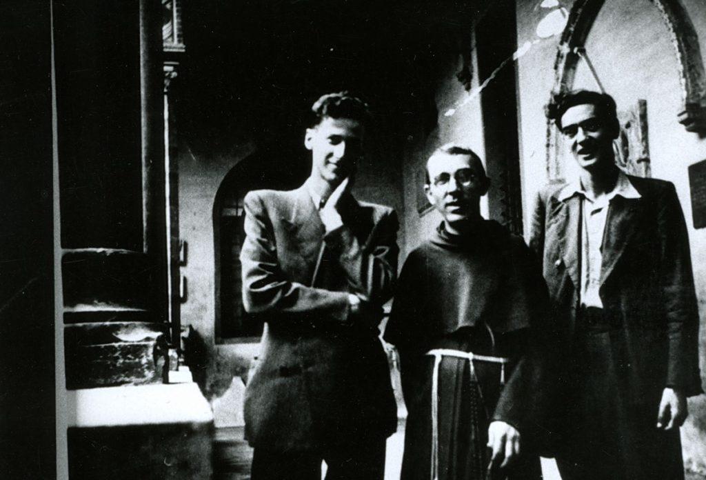 Padre Placido con collaboratori