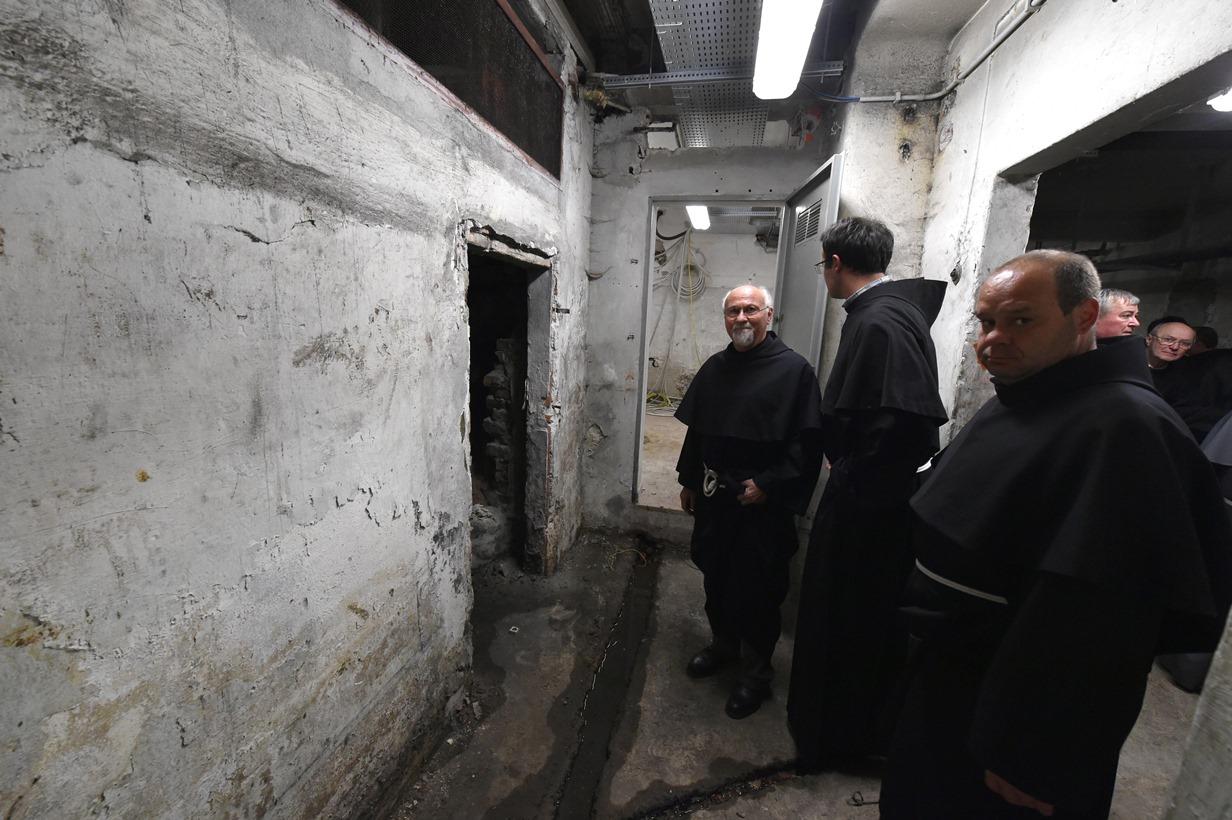 Trieste – 29 ottobre 2014 – Visita dei confratelli di Padre Placido al bunker di piazza Oberdan