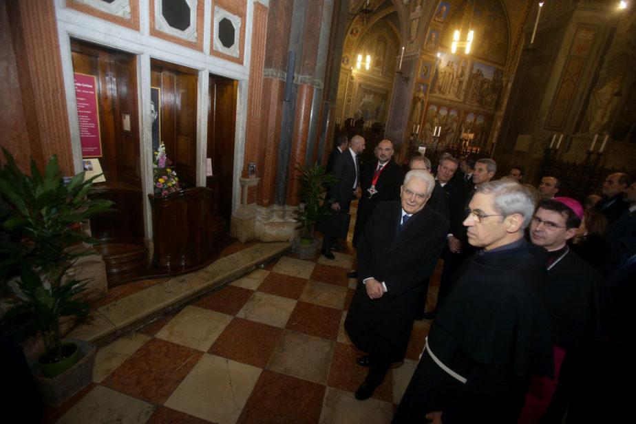 davanti al Memoriale di Padre Cortese