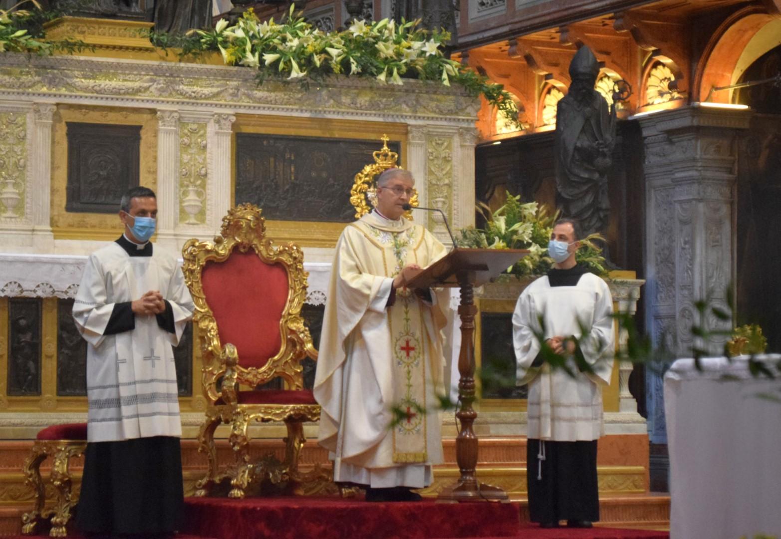 12 giugno 2020 Mons P. Tremolada Vescovo Brescia presiede Messa